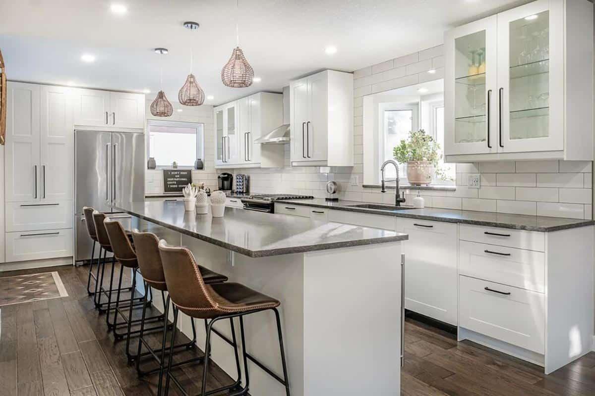 custom kitchens regina